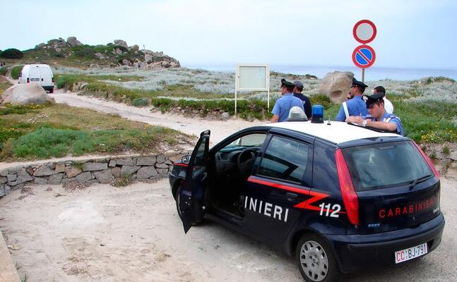 carabinieri ad aglientu (foto l unione sarda)