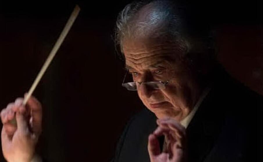 il maestro donato renzetti (foto priamotolu per concessione del teatro)