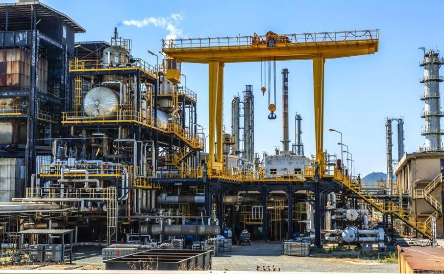 la raffineria di sarroch (l unione sarda foto murgana)