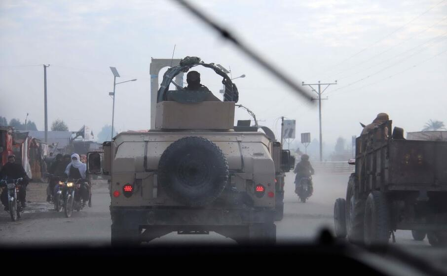 Bomba artigianale contro convoglio militare, morti due soldati in Afghanistan