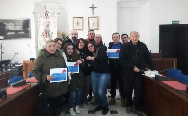 i partecipanti al concorso per la sezione presepe di quartiere (foto marco cazzaniga)