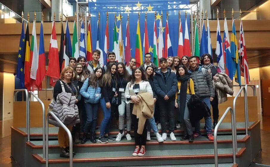 la terza f del liceo classico europeo a strasburgo (foto dal sito della scuola)