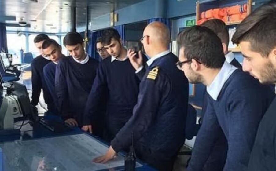 studenti sulla nave tirrenia (foto concessa)