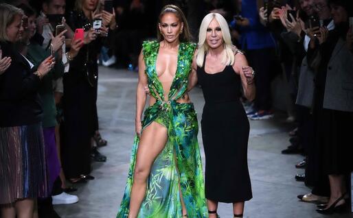 Con Donatella Versace (Ansa)