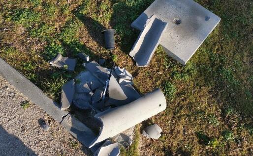 Il risultato dell'atto vandalico (foto Sardegna Sotterranea)