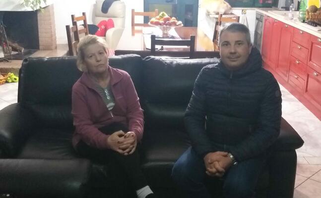 la nonna di tommaso pinuccia cocas 67 anni e il consigliere comunale attilio stera (foto s farris)