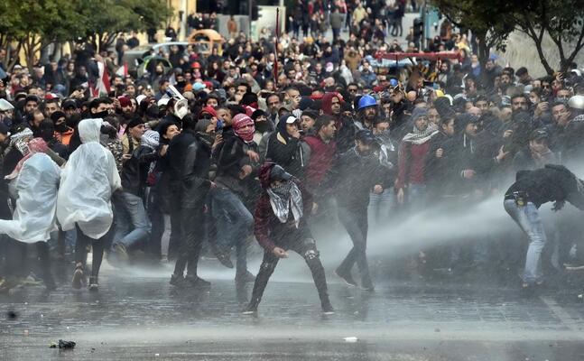 le proteste di beirut (ansa wael hamzeh)