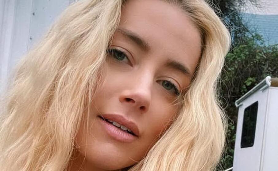 Amber Heard, la ex di Johnny Depp ha una nuova fidanzata