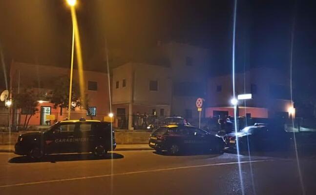 un momento dell operazione di ieri (foto carabinieri)