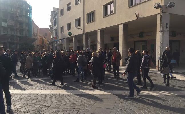 i commercianti in piazza roma