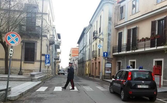 controlli dei carabinieri a isili (foto antonio pintori)