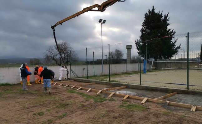 i lavori al campo sportivo (foto s sirigu)