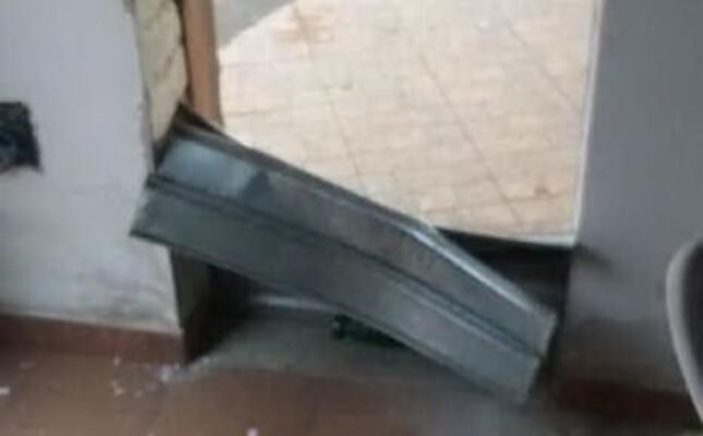 danneggiato il bar (l unione sarda foto sirigu)