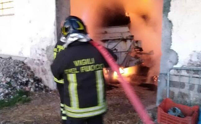 un pompiere all opera (foto vigili del fuoco)