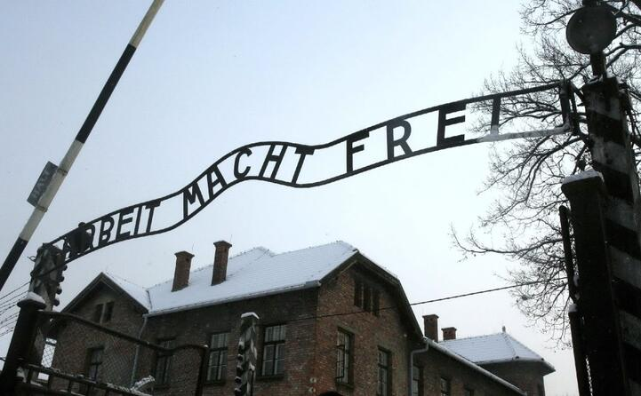 accaddeoggi 27 gennaio 1945 il campo di sterminio di auschwitz viene liberato