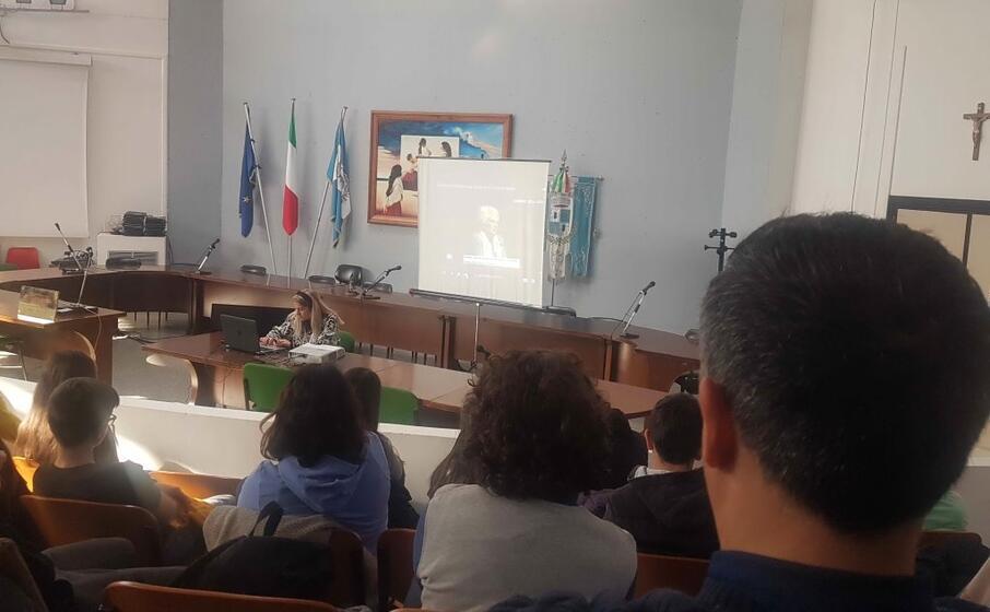 La testimonianza di Liliana Segre: la proiezione per i ragazzi delle Medie a Sinnai