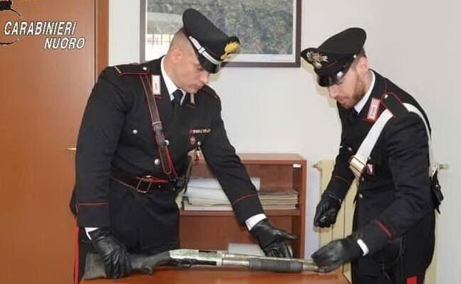 il fucile (ansa carabinieri)