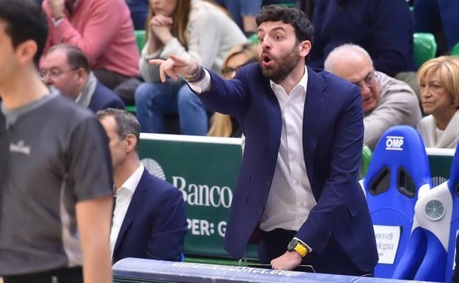 il vice allenatore edoardo casalone (foto dinamo)