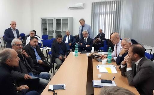 Peste suina, il tavolo tra il commissario Ue e i rappresentanti delle associazioni di categoria (foto L'Unione Sarda - Cossu)