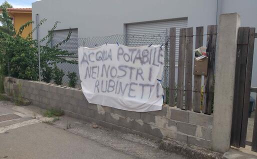 Le richieste dei cittadini (foto L'Unione Sarda - Farris)