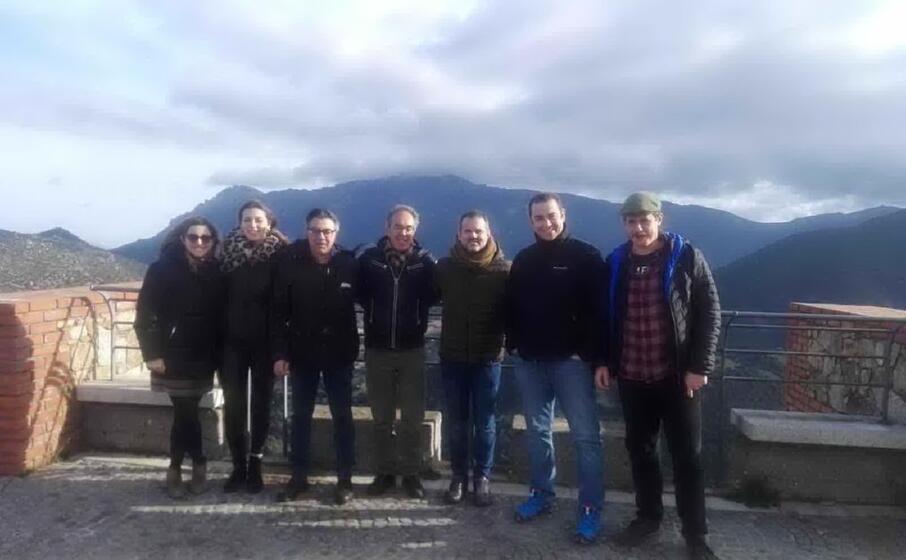 gli ospiti catalani a oliena (foto l unione sarda)