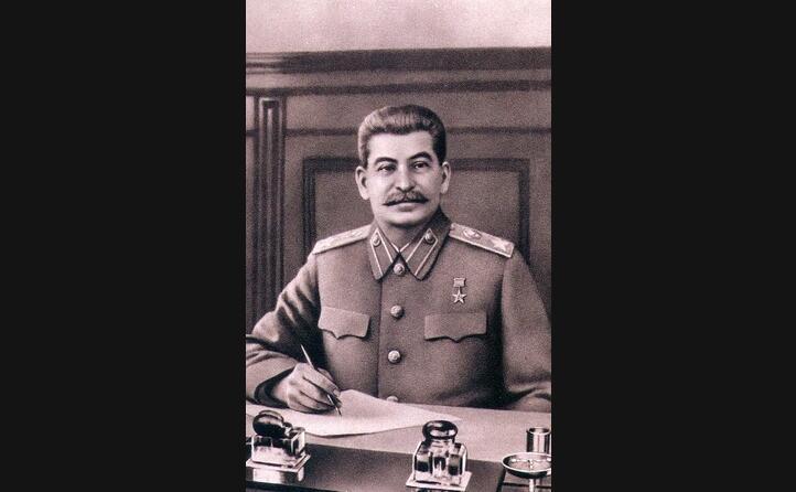 stalin qui in un ritratto era presidente dell urss