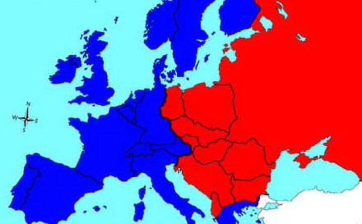 tra le altre cose fu decisa la suddivisione dell europa in sfere di influenza dando il via alla guerra fredda che avrebbe caratterizzato i decenni successivi (le foto sono wikipedia)