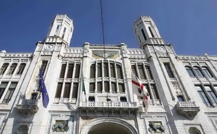 il palazzo del municipio di cagliari (archivio l unione sarda)