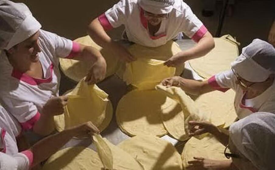 produzione di pane carasau (foto unica)