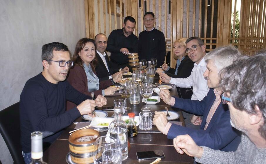 la giunta a pranzo (foto l unione sarda murru)