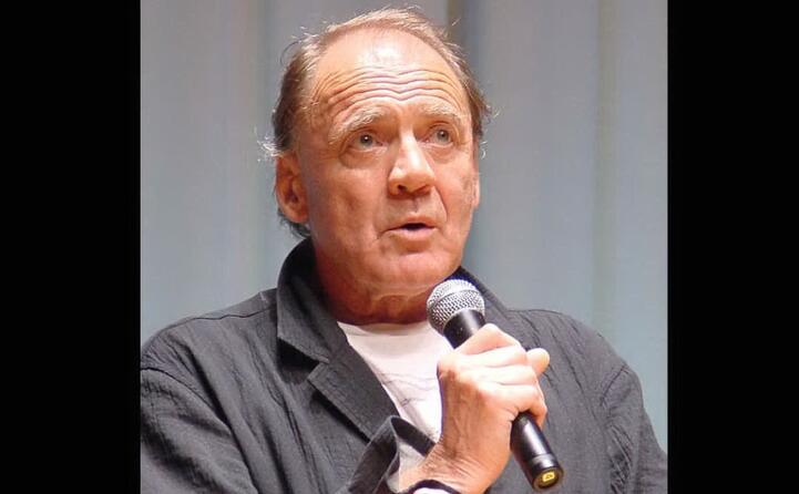 il celebre attore muore a zurigo all et di 77 anni