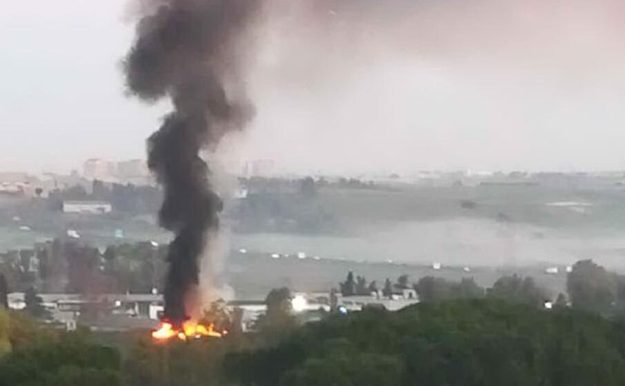 l incendio di stamattina (foto l unione sarda)