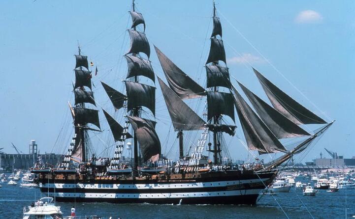 nel porto di new york (foto wikipedia)