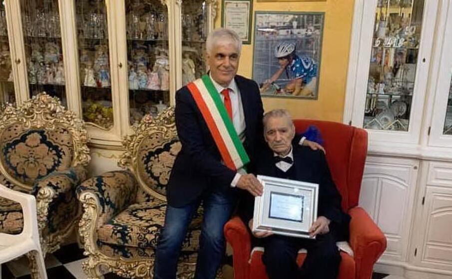 francesco pala accanto al sindaco francesco dess (l unione sarda foto murgana)