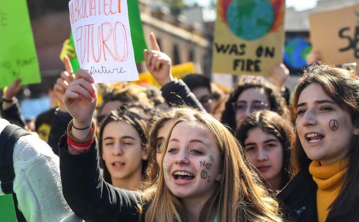 giovani manifestano a roma