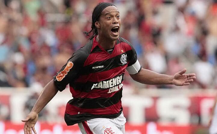 dopo l esperienza in rossonero torna a giocare in brasile militando anche nel flamengo (foto wikipedia)