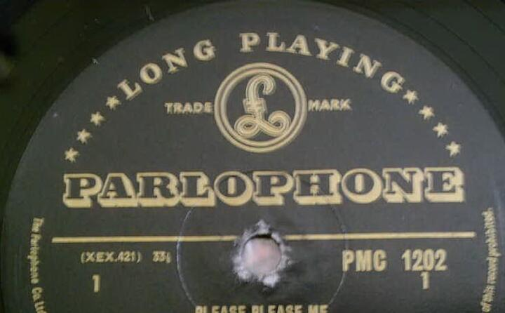 l album viene pubblicato dall etichetta parlophone (foto wikipedia)