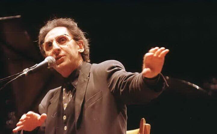 il cantautore siciliano anche musicista compositore e regista (archivio l unione sarda)