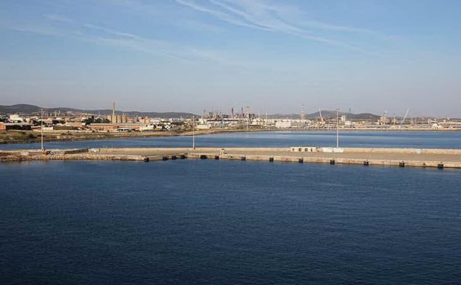 area industriale porto torres (pala)