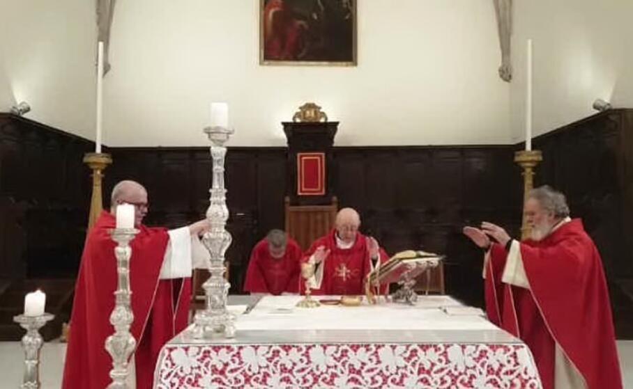 la messa del vescovo trasmessa su facebook (foto cinzia simbula)