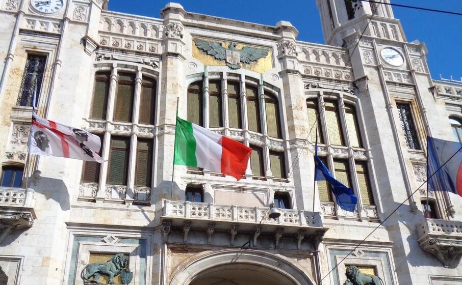 il municipio di cagliari (archivio l unione sarda almiento)