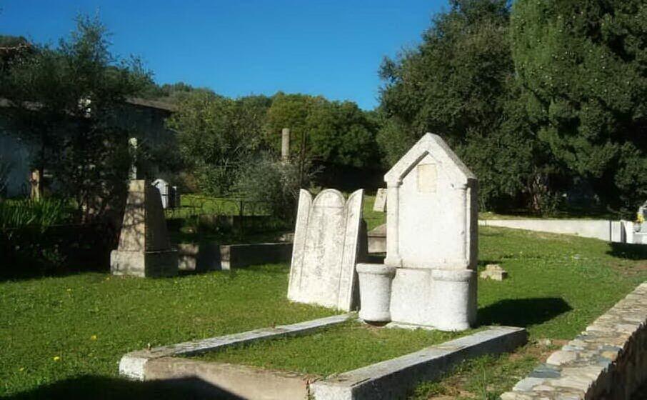 la parte pi antica del cimitero di castiadas (l unione sarda serreli)
