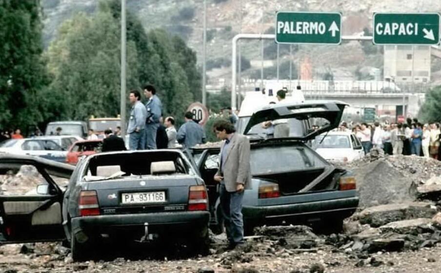 un immagine dopo il terribile attentato (archivio l unione sarda)