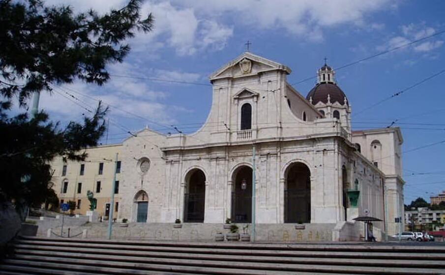 la basilica di bonaria (archivio l unione sarda)