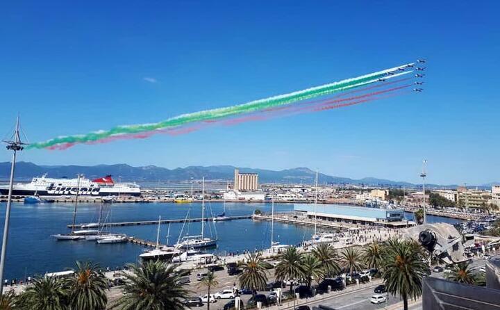una splendida immagine dal porto (foto da twitter claudiamedda)