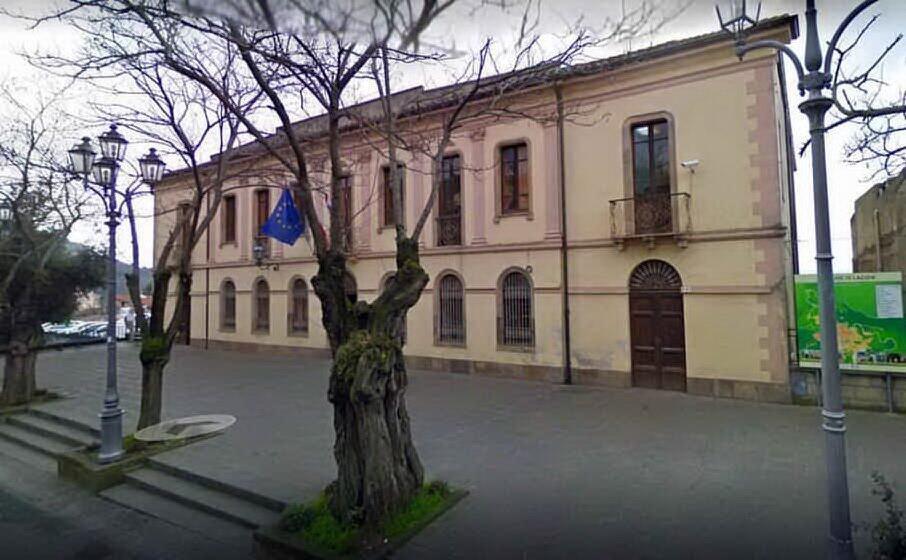 il municipio di laconi (l unione sarda)