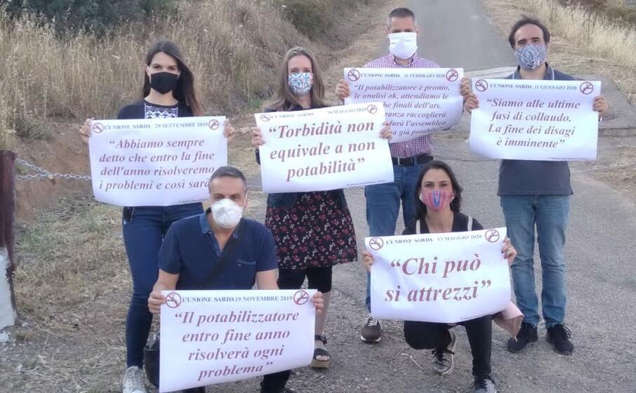 la protesta inscenata alcuni giorni fa dalla minoranza (l unione sarda)