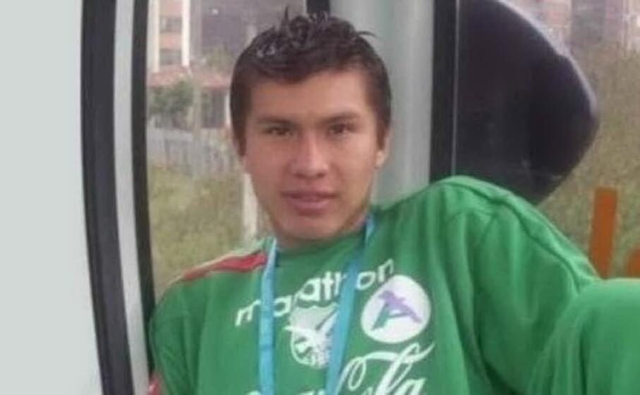 il calciatore morto (foto twitter)