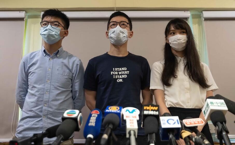 manifestanti a hong kong (foto ansa epa)