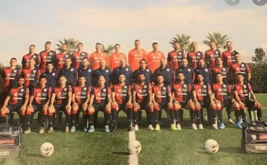 la squadra (poster de l unione sarda)